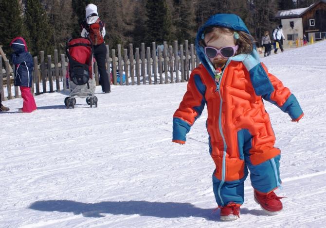 scarpe casual colori e suggestivi colori e suggestivi Wed'ze Air Combi, la tuta da sci gonfiabile per bambini ...