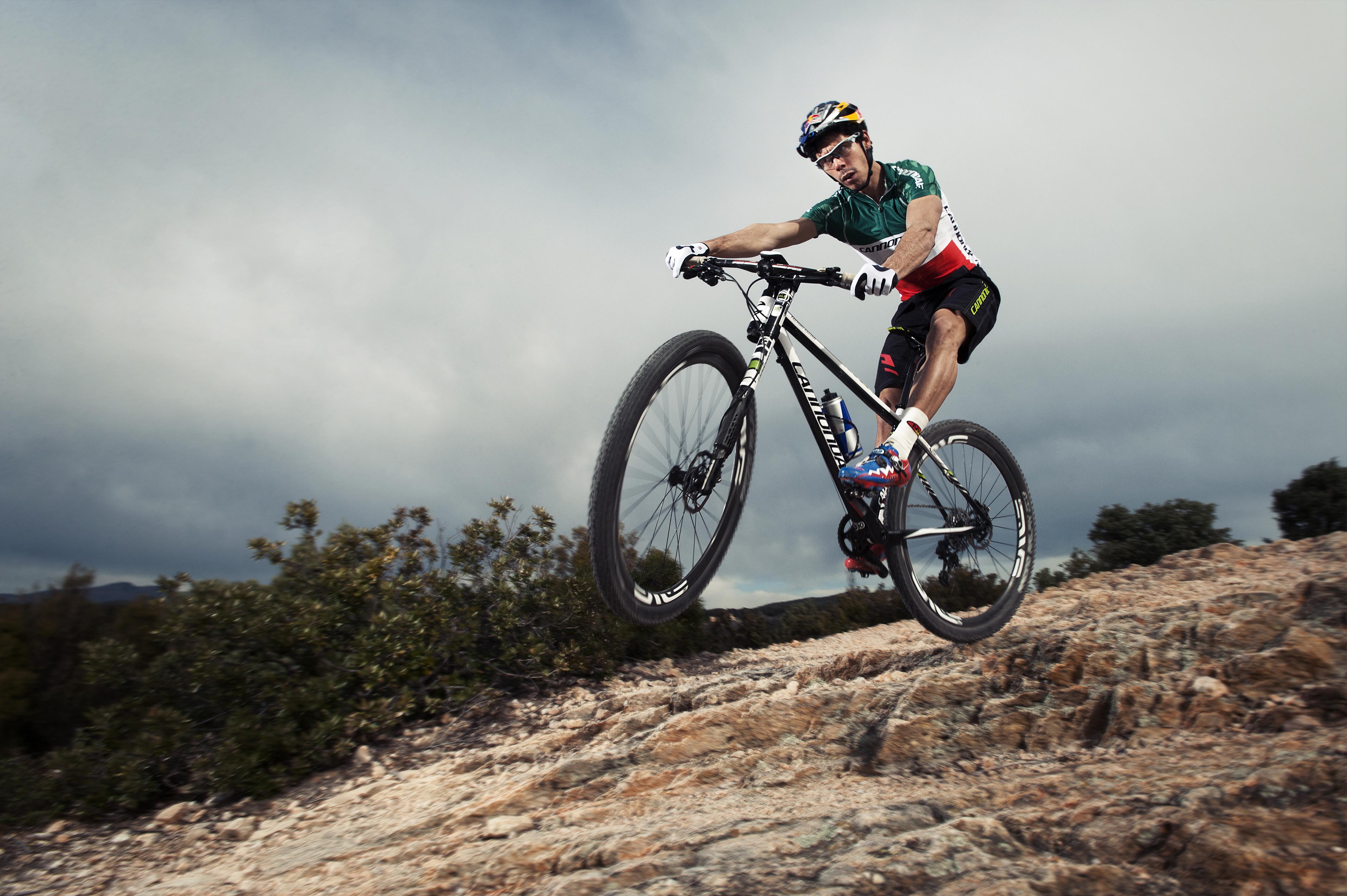 Come pedalare su una MTB: i consigli di Marco Aurelio Fontana