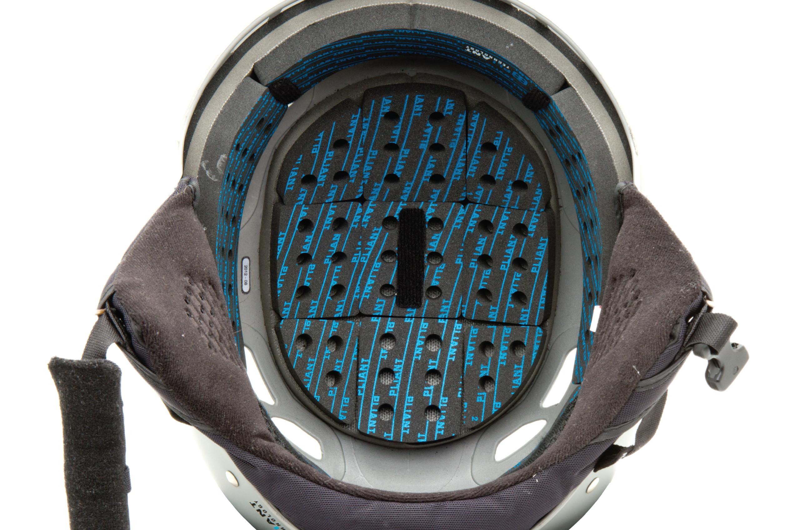 Giro Combyn, nuovo casco soft shell per il freestyle