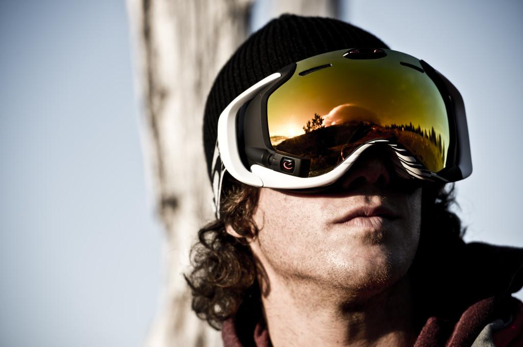 Oakley Airwave 1.5: la maschera da sci con display Hud, Gps e Wi-Fi integrati