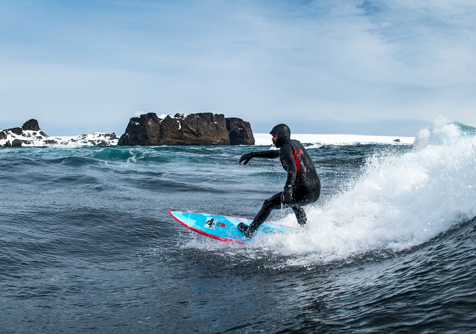 Ramon Navarro, surf in Antartide