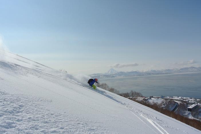 Fotoreportage: sciare sui vulcani della Kamchatka