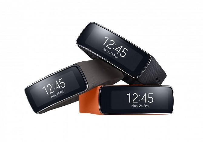 Samsung Gear Fit, il braccialetto hi-tech per il fitness presentato al Mwc