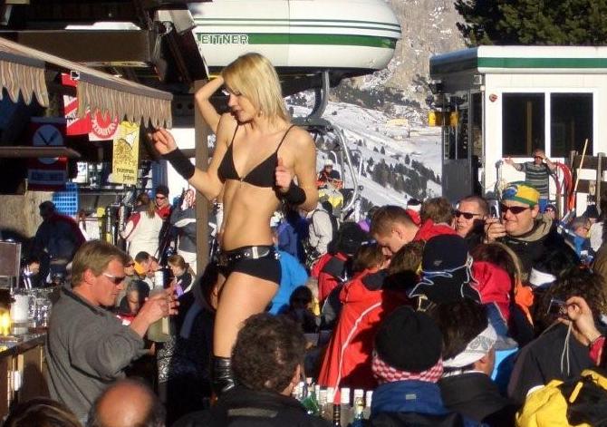 Happy hour sulla neve: i migliori après-ski d'Italia