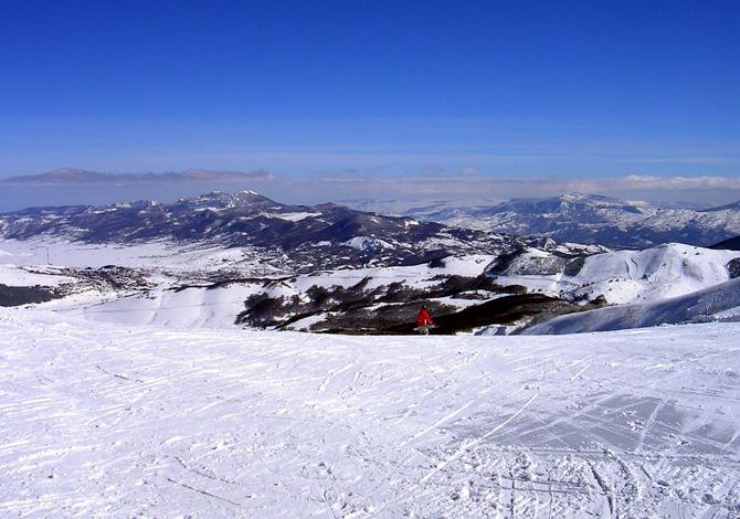 Giù dagli Appennini: 5 posti per sciare in Abruzzo