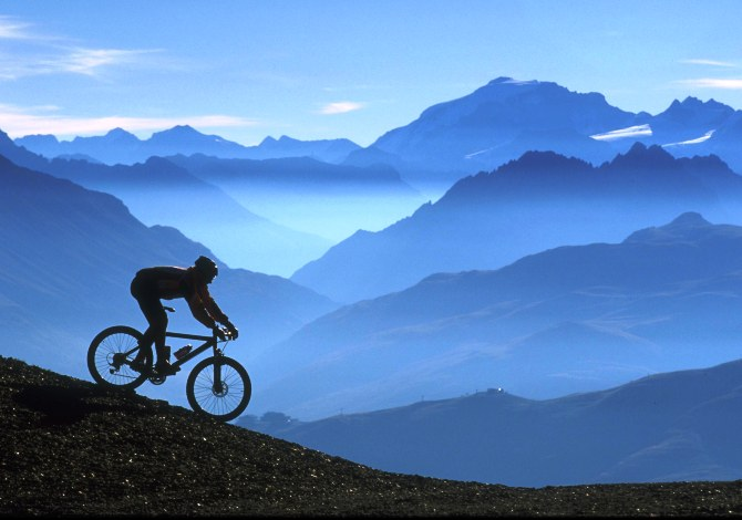 Come guidare la mountain bike in discesa