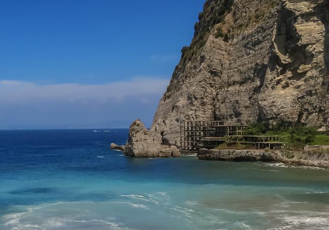 I 5 peggiori ecomostri delle coste italiane