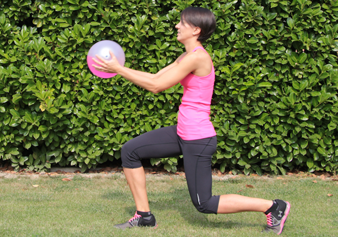 5 esercizi per le gambe da fare con la Fluiball