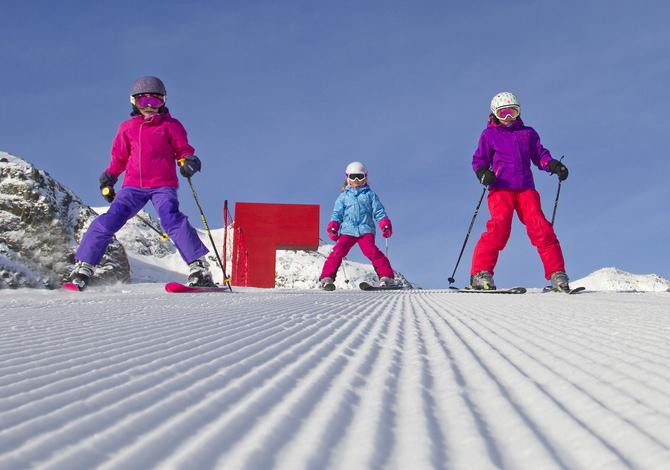 Come vestire i bambini per andare a sciare