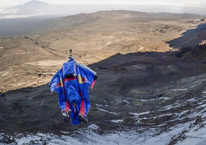 Valery Rozov: il primo base jump dal Kilimangiaro