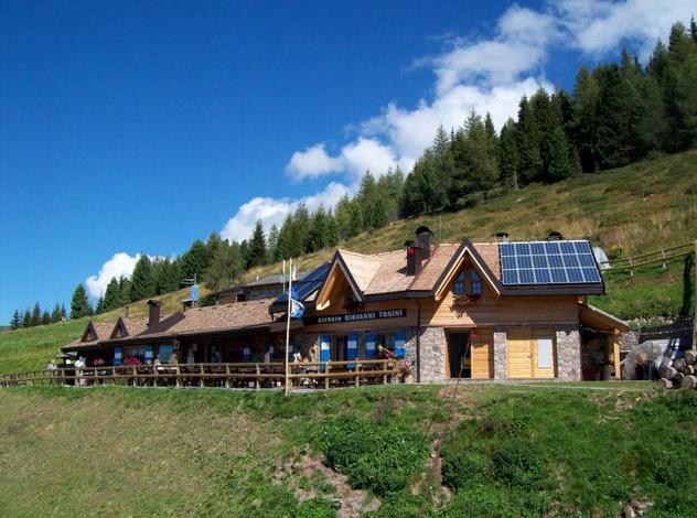 Rifugio Tonini rifugi del Trentino poco conosciuti