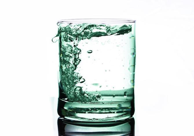 La regola degli 8 bicchieri d'acqua al giorno