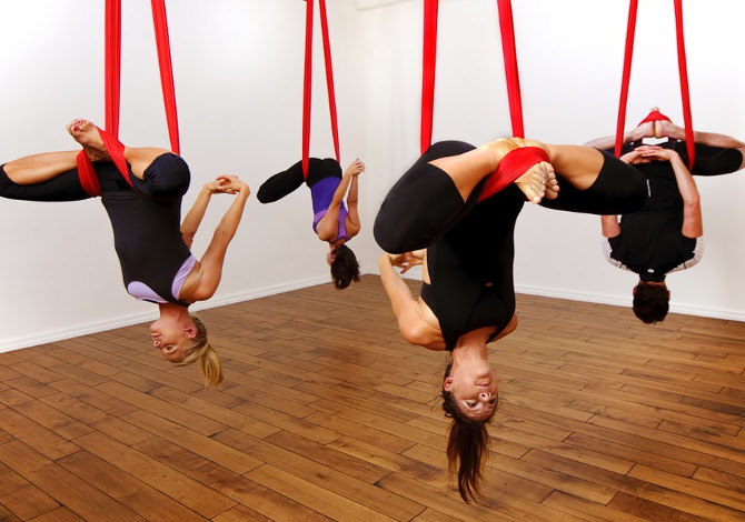 antigravity-aerial-yoga