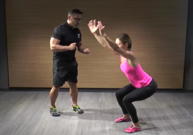Come si eseguono gli Air Squat-video