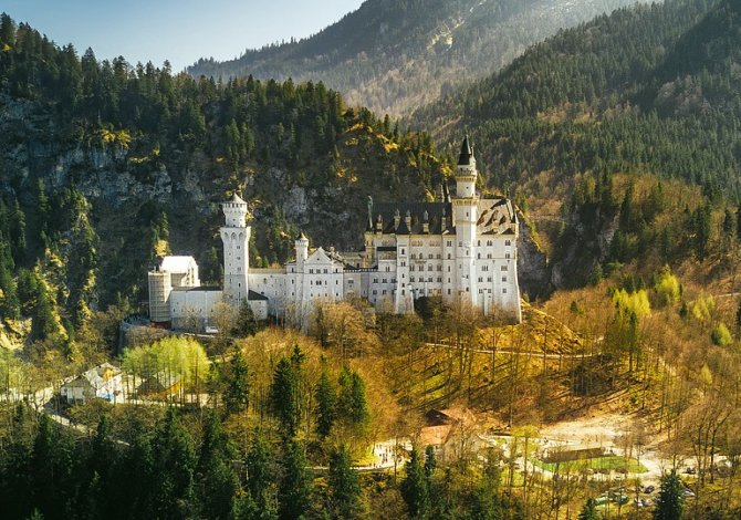7 fantastici castelli che sembrano usciti da una fiaba di for Case che sembrano castelli