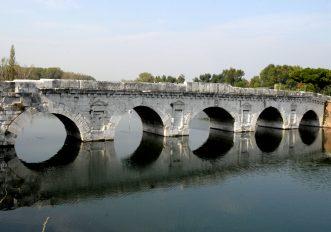 Ponte Tiberio Rimini Ciclabile fiume Marecchia