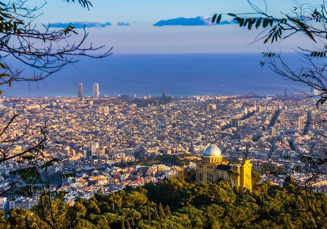 Barcellona dall'alto - foto Joaquin Aranoa Pixabay