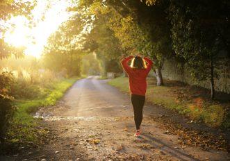 Passeggiate fanno bene a mente e umore quanto correre