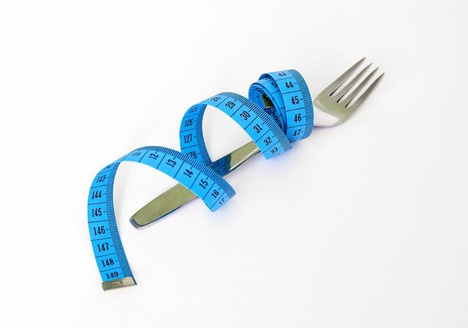 4-regole-per-allenare-il-corpo-grazie-alla-dieta-i-consigli-come-quanto-quando-assumere-proteine-per-dimagrire-e-mettere-su-muscoli