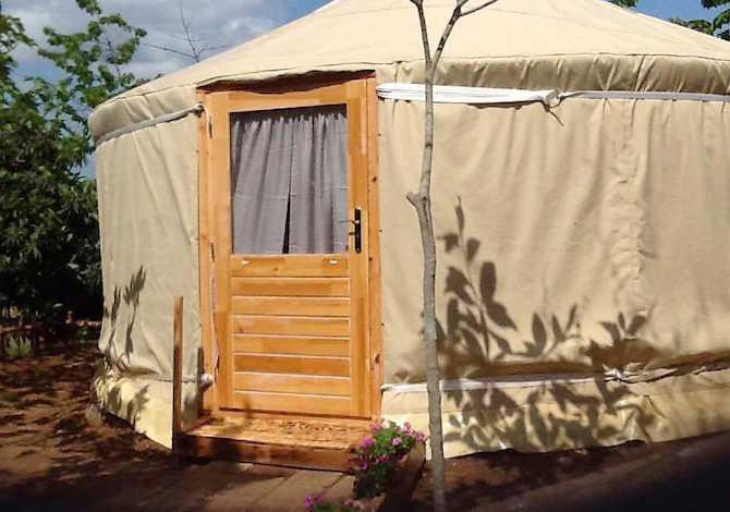 come-trovare-e-prenotare-una-yurta-un-teepee-o-un-pod-in-campeggio-con-pitchup-yurta