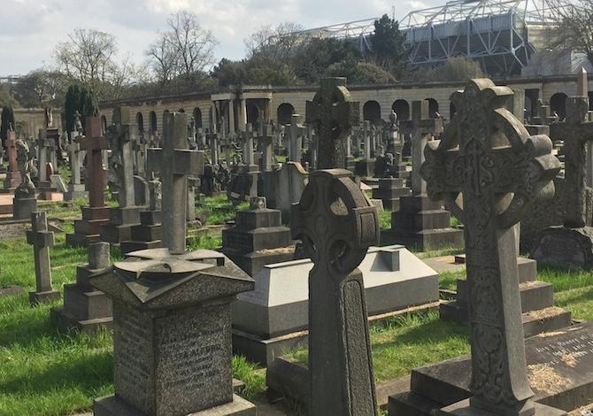 londra-a-piedi-in-un-giorno-camminando-per-20-km-cimitero-brompton