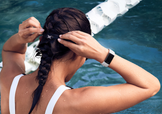 fitbit-charge-3-nuoto