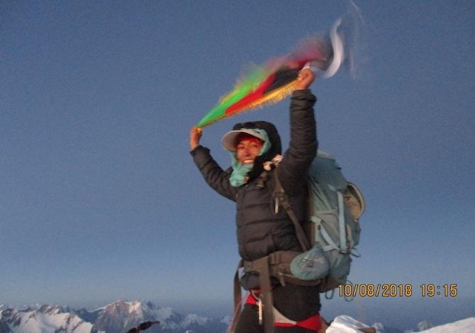 hanifa-yusoufi-donna-afghanistan-noshaq-alpinist