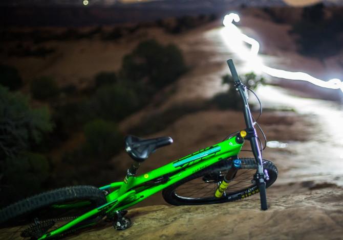 Manubrio della mountain bike: larghezza, altezza e inclinazione