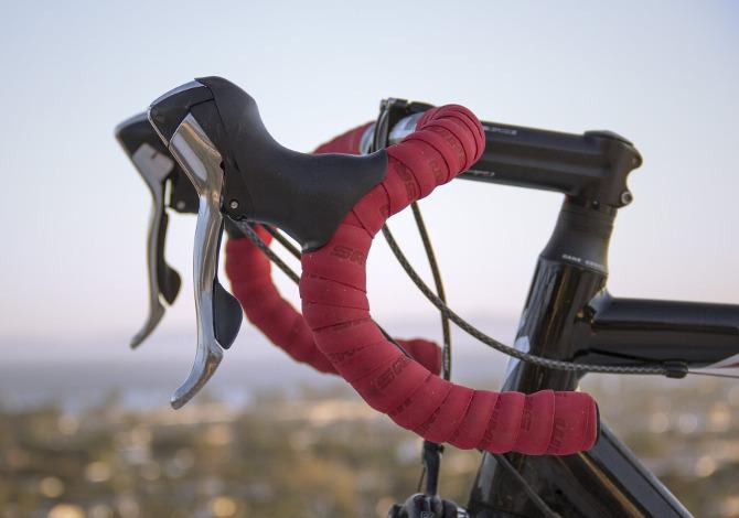 Piega da corsa: come scegliere il manubrio della bici da corsa