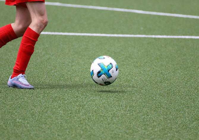 bambini-con-i-piedi-piatti-quali-sono-gli-sport-migliori-birgl-pixabay