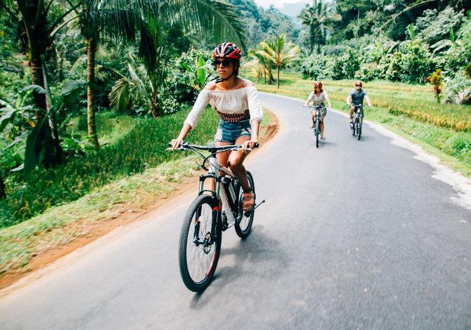 e-bike e bici tradizionale, un'abbinata perfetta