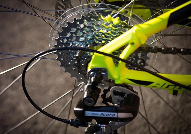 Come pulire e lubrificare la catena della mountain bike