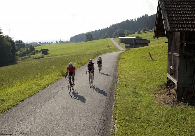 tirolo-Bici-da-corsa-Ranggen-Tirol-Werbung-Oliver-Soulas