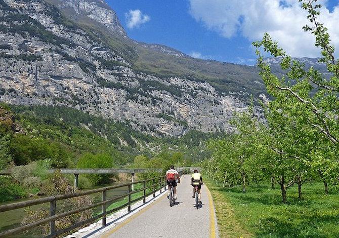 pista-ciclabile-valle-dei-laghi