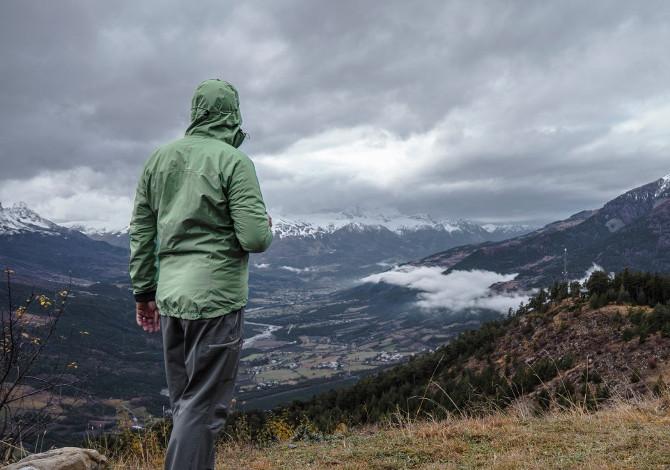 giacca impermeabile da trekking