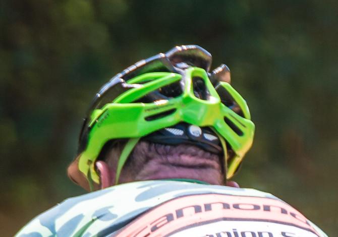 come lavare il casco da bici