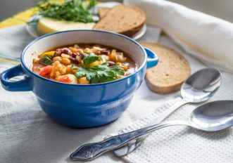 Perché mangiare la minestra di verdure?