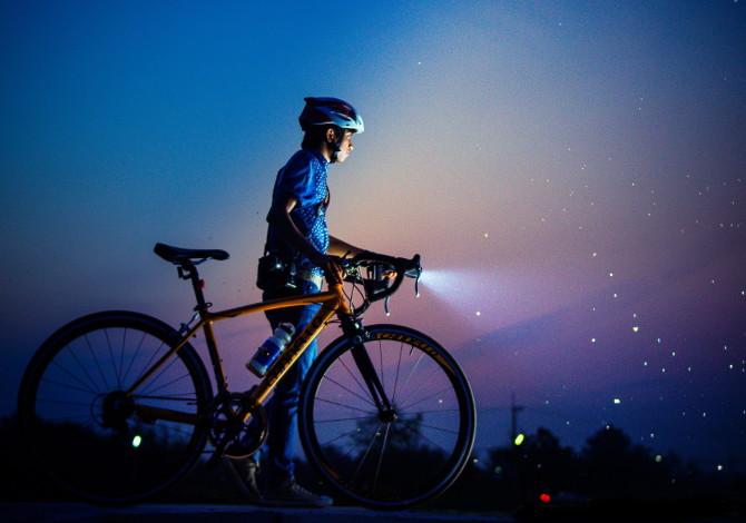 ciclismo al buio in inverno