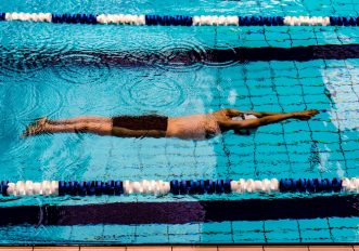 iniziare nuoto in piscina consigli per iniziare