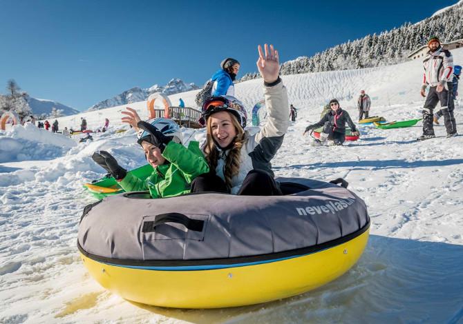 Vacanza sulla neve a misura di famiglia in Trentino_Andalo_bambini_giochi_montagna