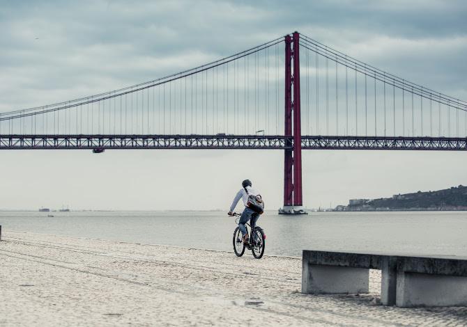 Giant FastRoad E+ EX Pro, l'e-bike per muoversi in città - SportOutdoor24