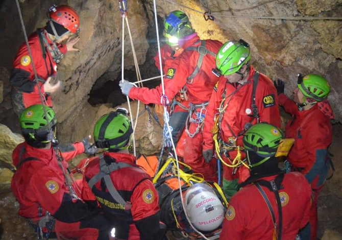 Emergenza Coronavirus: non andare in montagna. L'appello del Soccorso Alpino e Speleologico Nazionale