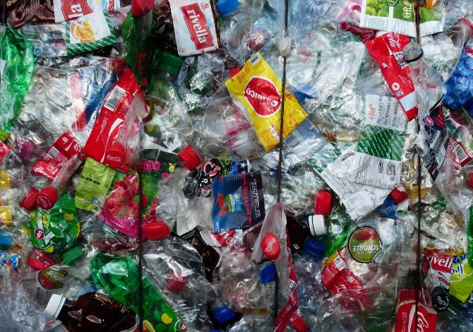 Quanta-plastica-a-testa-produciamo-ogni-giorno