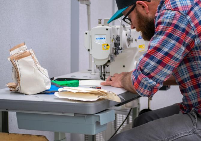 Anche Osprey crea mascherine per gli operatori sanitari