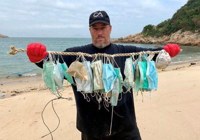 L'impatto ambientale di mascherine e guanti contro il Coronavirus