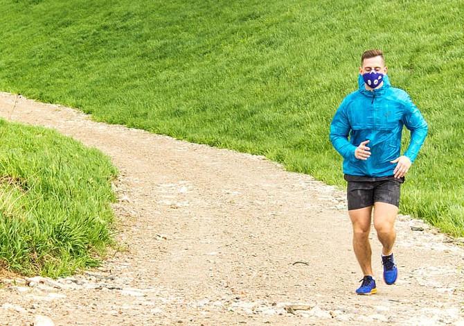 Coronavirus Lombardia: dal 4 maggio per corsa e ciclismo obbligo della mascherina