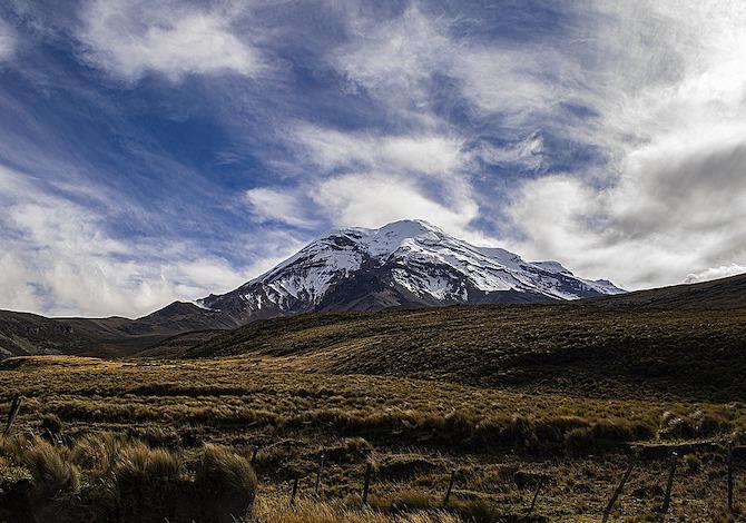 a-passeggio-lungo-lavenida-de-los-volcanes-chimborazo