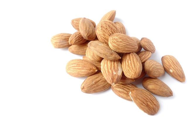 le-mandorle-nella-dieta-quante-mangiarne-al-giorno-per-stare-bene-e-dimagrire