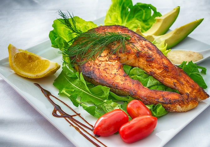 mangiare-pesce-1-2-volte-a-settimana-protegge-dallinquinamento-omega-3