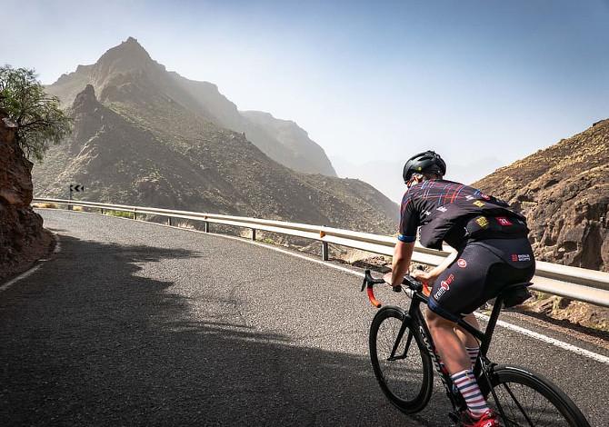 Everesting, la nuova sfida per ciclisti e runner